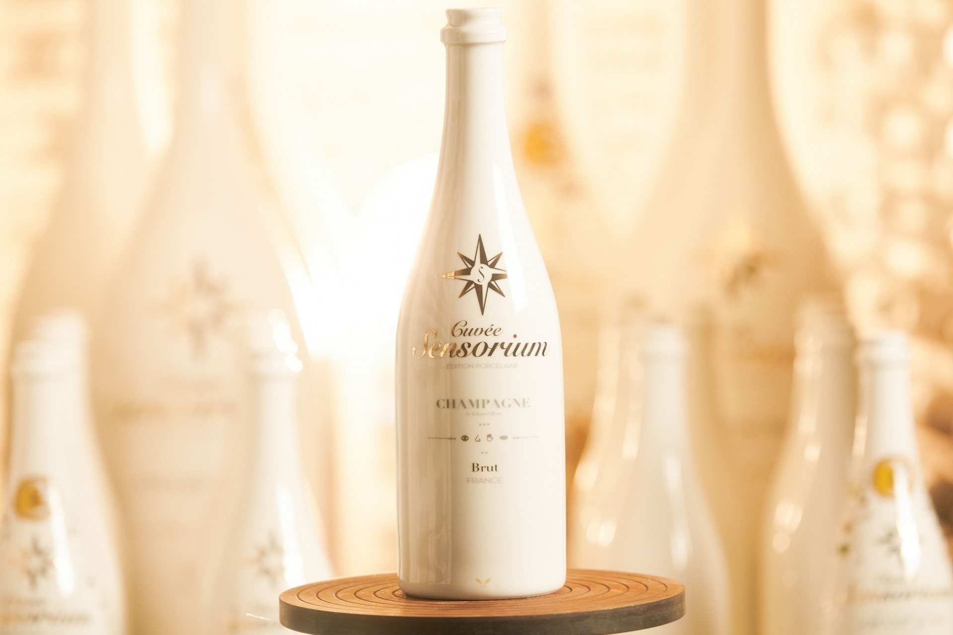 CAROLIN WINDEL Porzellanmanufaktur Reichenbach, Cuvée Sensorium Champagne (more-click here)