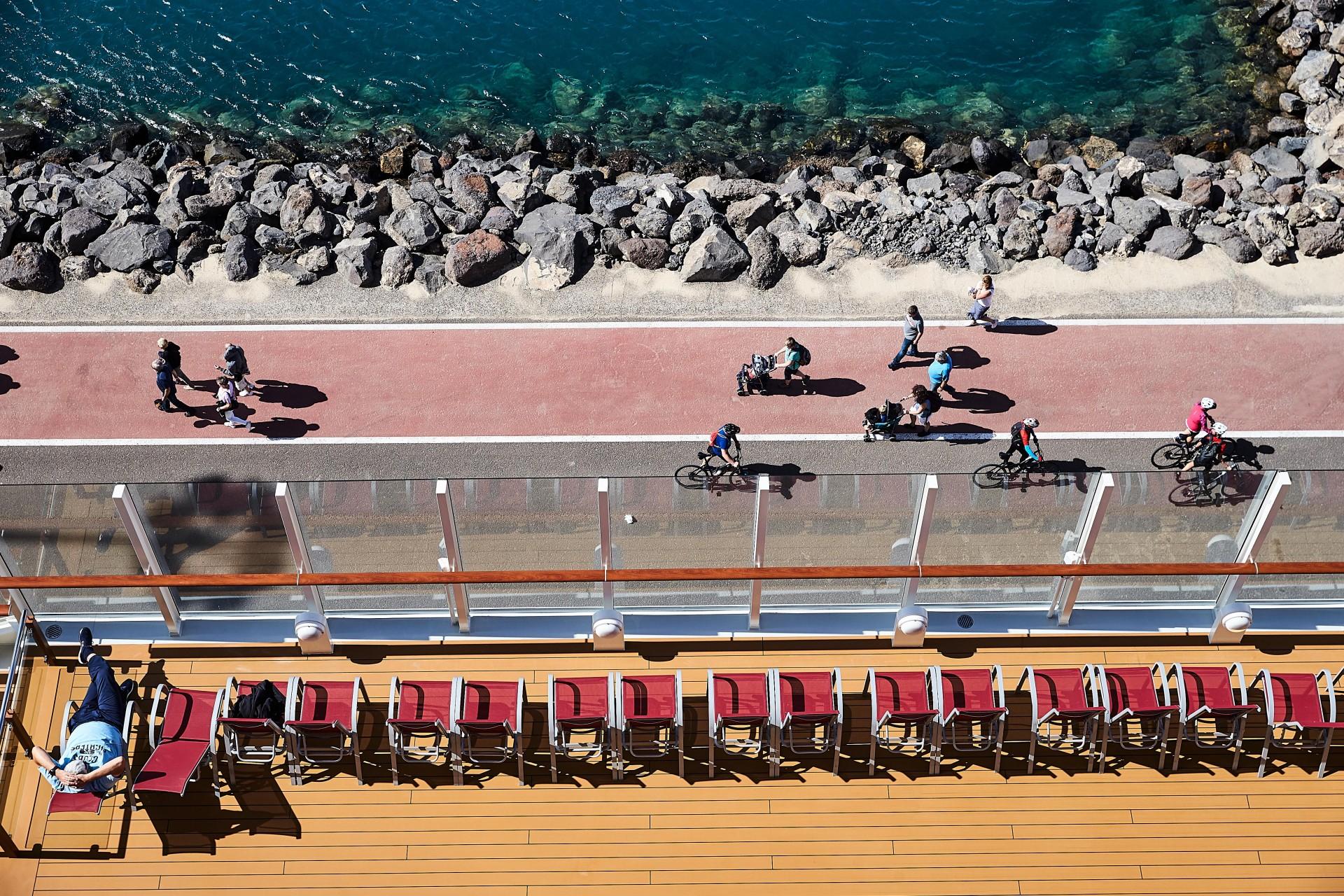 CAROLIN WINDEL Kreuzfahrt – Kann man so noch Urlaub machen?, STERN (more-click here)